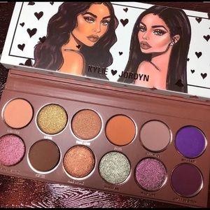 🎁Kylie Cosmetics x Jordyn Palette & FREE GIFT🎁